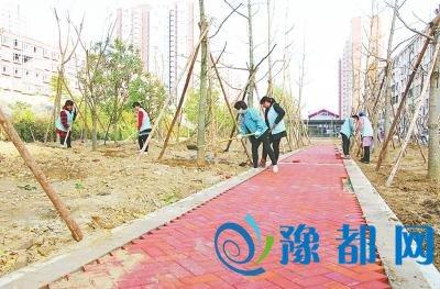 """商丘永城打造""""城市轻轨风景带"""" 运煤铁路穿城区"""