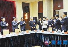 邓凯赵素萍任正晓亲切看望慰问驻马店党代表