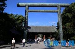 日本复兴大臣参拜靖国神社 系安倍新内阁首位