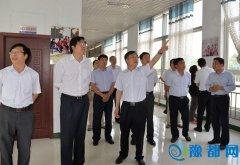 省委政研室副主任吕五权一行到大发快三县调研农业供给侧改革