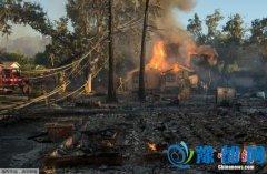 美国加州大火延烧 当局逮捕一名涉嫌纵火男子