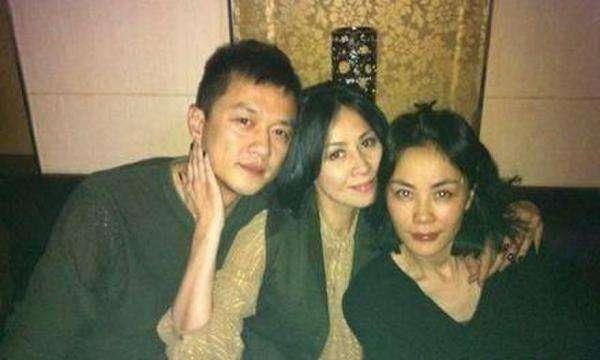 刘嘉玲见证了王菲的每个重要时刻。