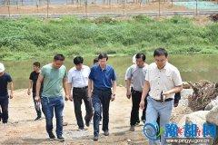 平舆县县长赵峰就公租房建设、小清河综合治理项目推进进行现场办公