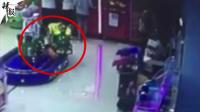 2岁男童被玩具火车卡丧命 家人站背后毫无察觉