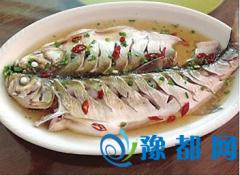 常吃鱼好处多鲫鱼健脾草鱼暖胃