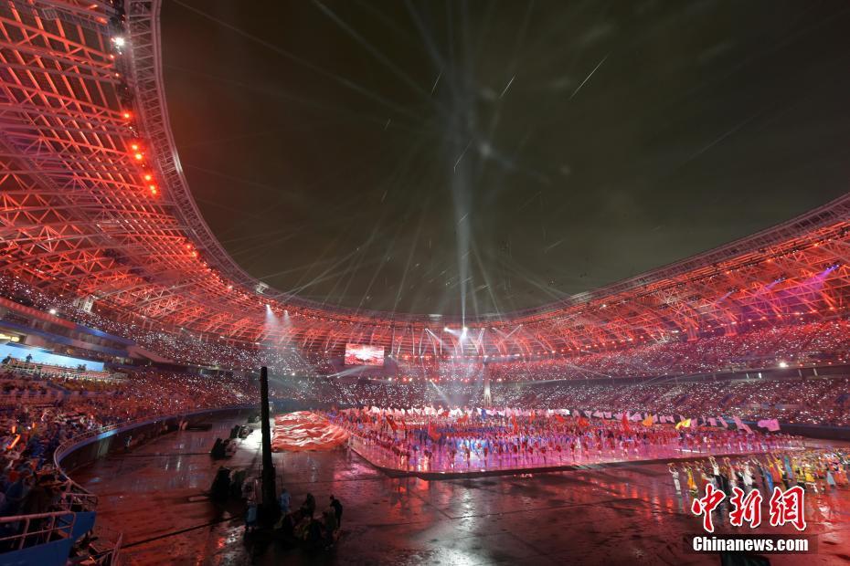 8月27日晚,第十三届全国运动会在天津开幕。中新社记者 毛建军 摄