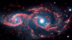 """宇宙深处的""""眼睛"""":奇特星云""""回望""""地球"""