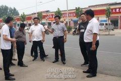 区长曹江涛到召陵镇召开创建文明城市现场攻坚会