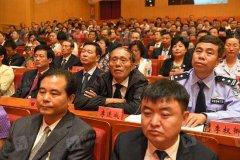 河南全省广大干部群众欢欣鼓舞迎接党的十九大