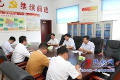 县委副书记、县长张团结调研综治信访维稳工作