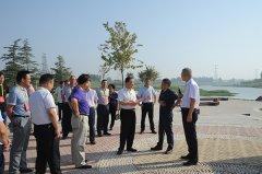 区人大常委会视察生态水系工作