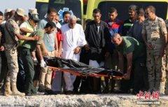 埃及外海难民船翻覆死者增至162人 救援仍持续