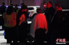 美国伯灵顿商场枪击案已致4死1伤 当地未见混乱