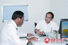 记援疆医生、十三师红星医院中医科医生栗广辉