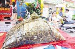 120斤粽子亮相南宁 12个小时熬制卖1688元(图)