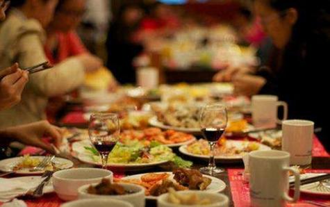 长期晚餐过饱也可能致癌!