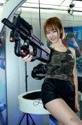 着迷VR美女体验官陆狸体验《VR实战》