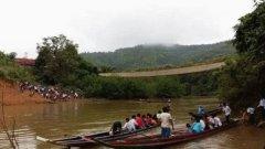 老挝一索桥断裂致57名学生坠河 2人死亡3人失踪