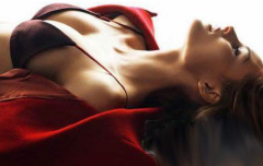 危害乳房健康的错误姿势