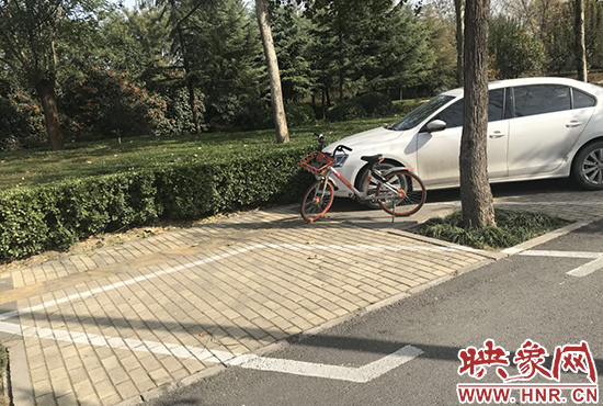 停车位短于普通车位