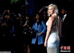 好莱坞女星裸照遭泄 黑客因窃取照片获刑18个月