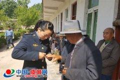 县运管局志愿者服务分队慰问孤寡老人