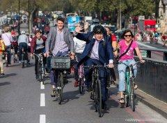 英警方禁外交大臣骑自行车上班 忧其成恐怖分子目标