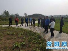 高村乡党委书记李占国带队赴兄弟乡镇学习脱贫攻坚工作