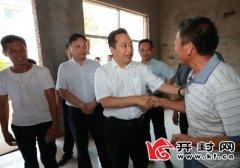 吉炳伟在通许县杞县调研脱贫攻坚工作时强调把产业扶贫打造成脱贫攻坚亮点