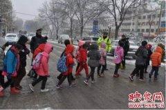 3日至4日郑州交通事故报警数量增长近一倍  交警多措并举护安全保畅通