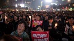 韩国首尔数万民众示威抗议 要求朴槿惠下台(图)