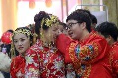 宁陵县隆重举行第三届集体婚礼