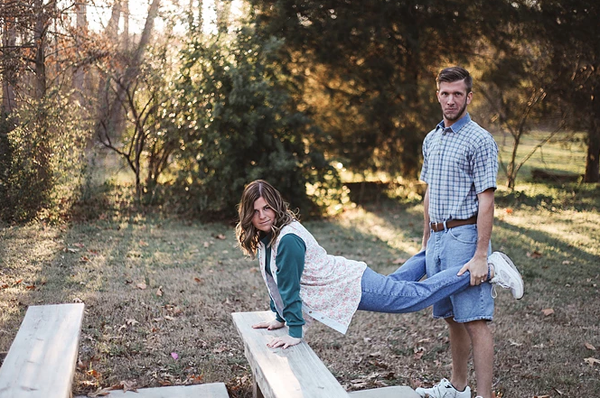 订婚照片怎么拍有创意 讨厌拍照的新娘也会爱上它