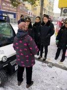 西华县城管局女子中队热心护送迷路老人回家