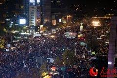 韩国近百万民众参加反朴示威 规模创下历史纪录