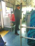 急着上车但换不来零钱 郑州公交啥时候能扫码支付?