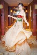 古力娜扎花长裙肤白貌美 气质似天仙