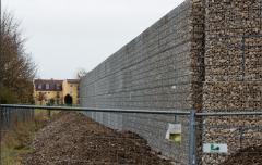 """慕尼黑4米高""""隔离墙""""将完工:隔开居民和难民"""