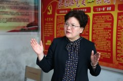 县长张颖波就农村道路建设现场办公
