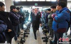 日韩签署军情协定 记者集体放下相机抗议(图)