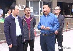县委副书记韩培鑫就市场环境现状进行现场办公