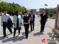 新华社记者双瑞到杏花营镇采访校园文化建设等工作