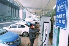 郑州新能源汽车每天上牌286辆 网友建议半公里建个充电桩