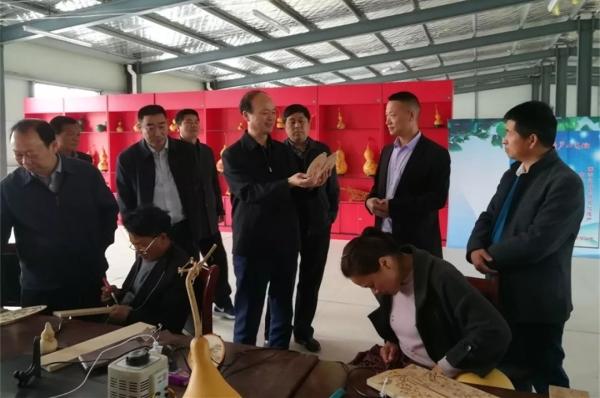 市人大常委会主任周树群到乔楼乡吴庄村调研综合体项目建设及运行情况