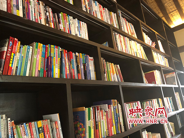 张庄村里的迷你读书馆