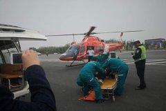 河南首例高速公路直升机救援转运成功 仅用时24分钟