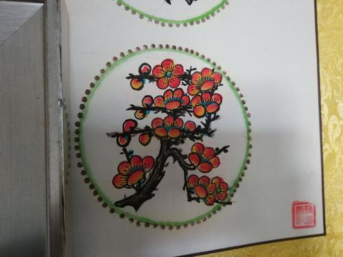 远看字字真切近看朵朵梅花 八十岁老人用腊梅创字