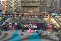"""二七区2017年首届""""萤光杯""""吉他大赛宣传周活动走进百年德化风情购物公园"""