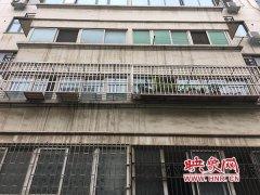 家住三楼男子起诉二楼装防盗网:给自己家带来很大安全隐患
