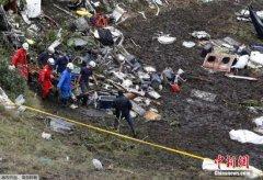 哥民航局证实失事客机耗尽燃油 英美专家赶赴调查